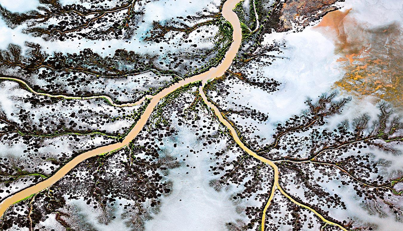 aerial-landscape-image-copyright-australian-professor-dr-les-walkling-for-beyond-photoshop-workshop