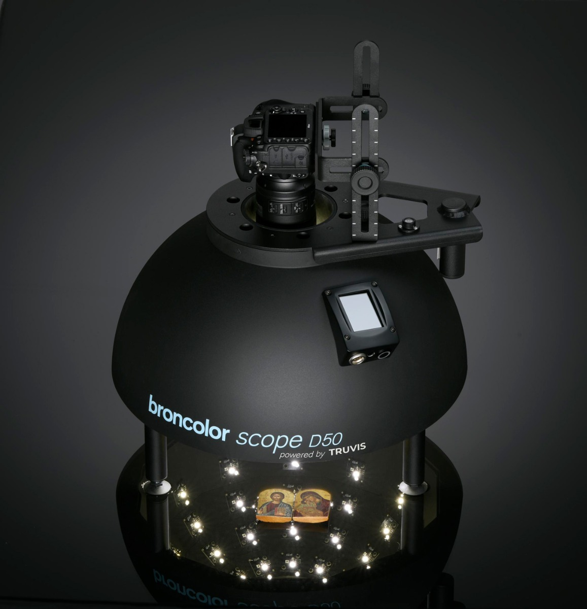 Broncolor Scope D50 portable surface visualisation system.