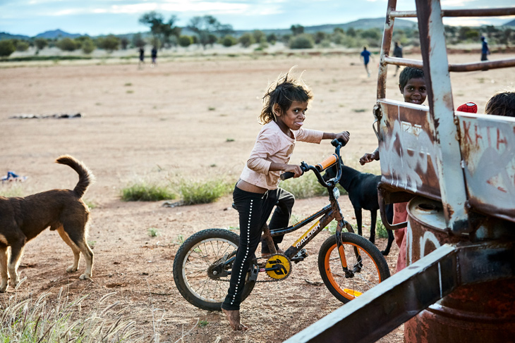 Felipe Neves received Highly Commended for his series 'The Desert Kids' documenting children from two Indigenous communities in Central Australia, Irrunytju and Tjuntjuntjara.