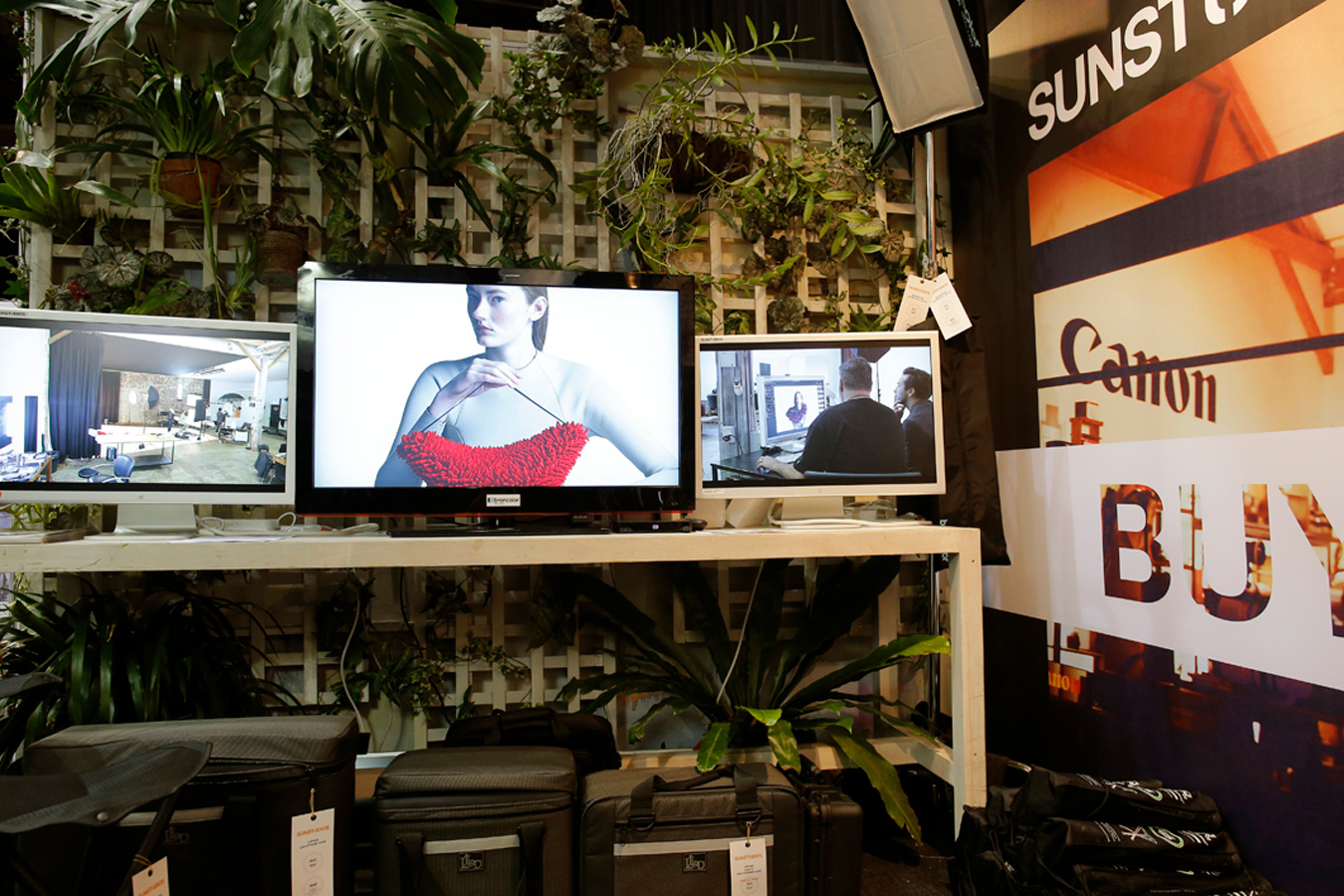 SUNSTUDIOS studio set up at the Digital Playground Trade Show 2014