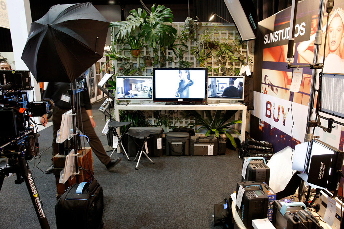 SUNSTUDIOS studio set up at the Digital Playground Trade Show 2014