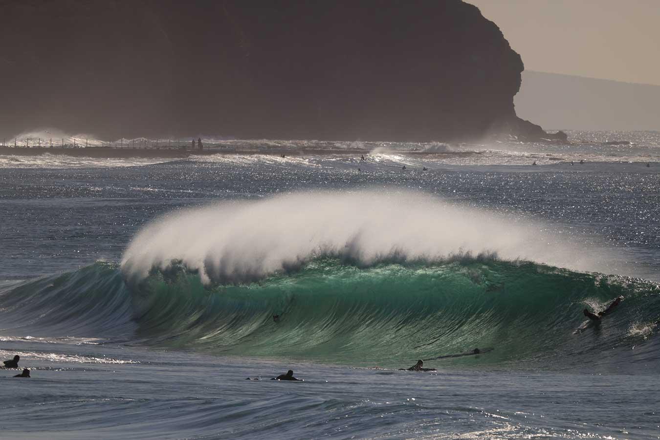 backlit-surf-wave