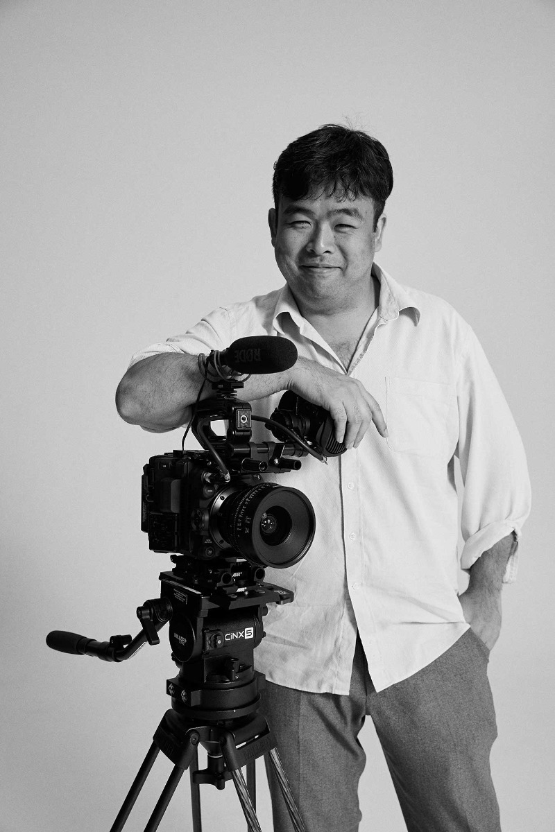 portrait-of-david-tran-with-cinema-camera-by-kristina-yenko