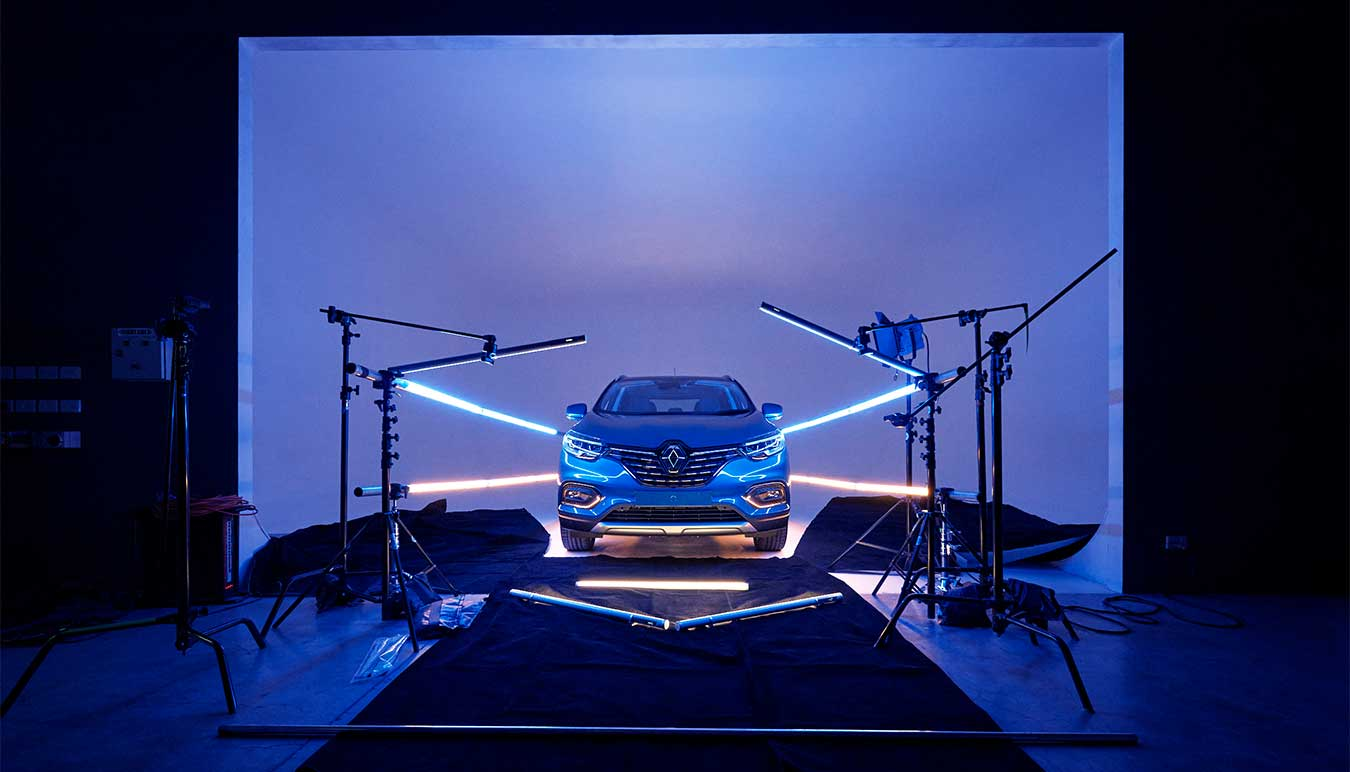 renault-kadjar-car-behind-the-scenes-shot-lit-by-titan-tubes-by-isamu-sawa