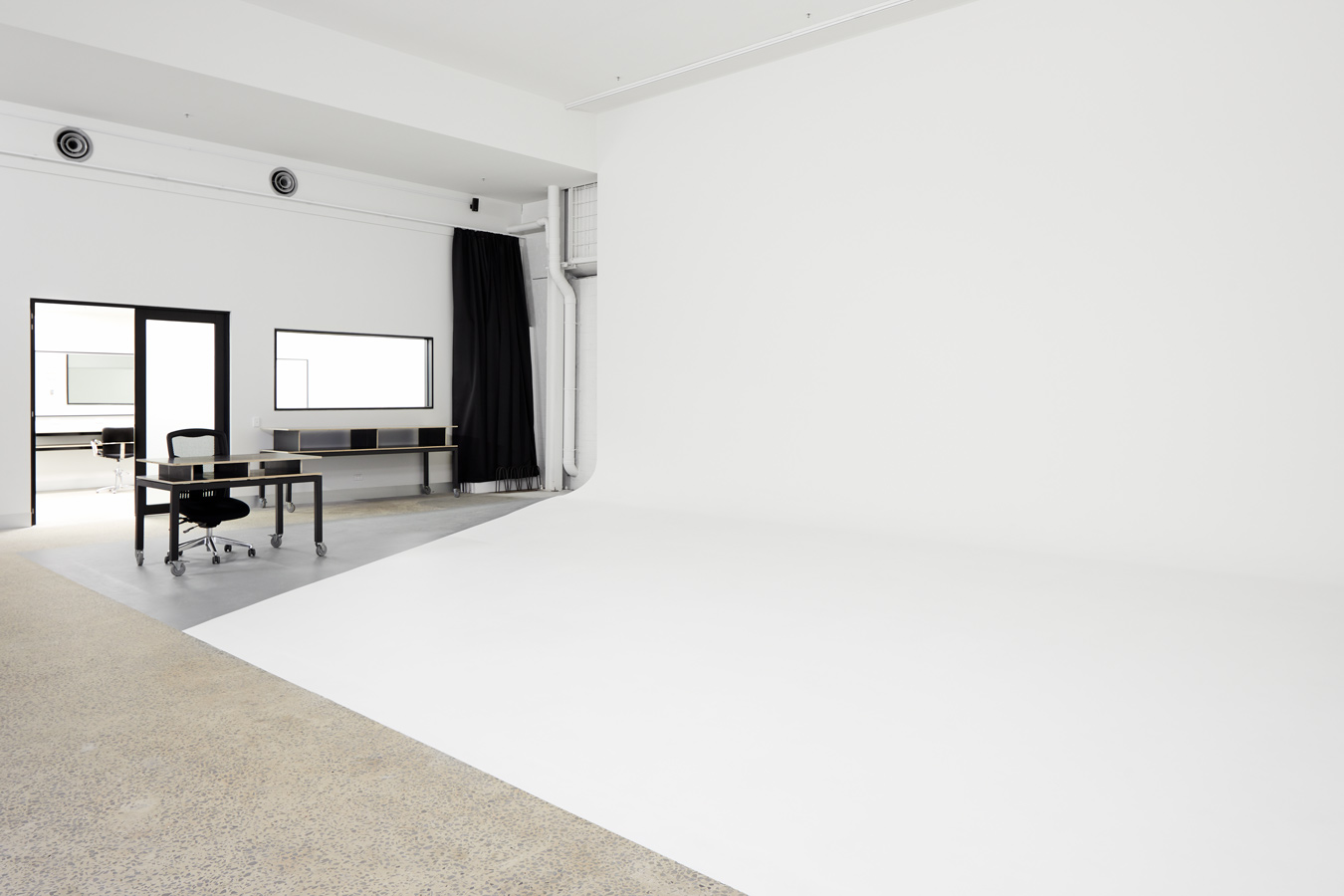 SUNSTUDIOS Melbourne Studio 1 cyclorama professional photography studio